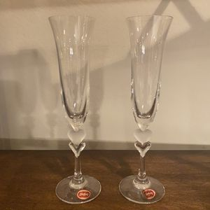 NEAR NEW PAIR OF GORHAM CRYSTAL TOASTING FLUTES for Sale in Corona, CA