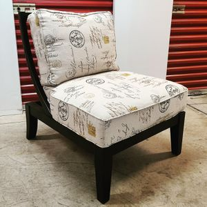 Large Accent Chair for Sale in Bladensburg, MD