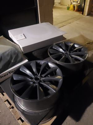 Tesla wheel for Sale in Los Angeles, CA