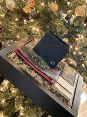 Gucci GG Leather Bifold Wallet for Sale in Wellington, FL