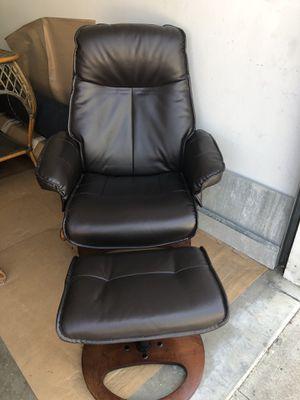 Chair & ottoman for Sale in Long Beach, CA