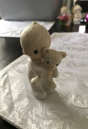 Precious moments figurine for Sale in Middleburg Heights, OH