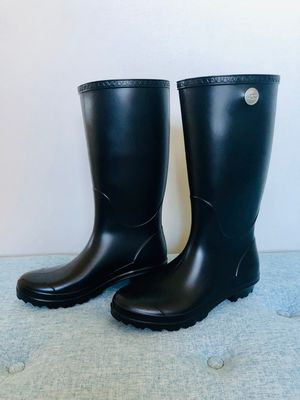 UGG Rain Boots - Size 8 for Sale in Lincoln Park, NJ
