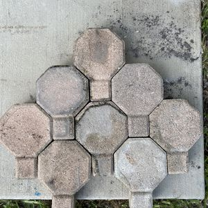 Concrete Pavers 85cents each approximately 650 to 700 for Sale in Fort Lauderdale, FL