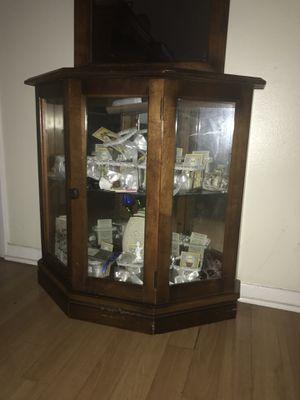 Pulaski Curio & Mirror for Sale in Tampa, FL