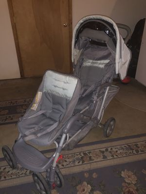 Graco Double Stroller for Sale in Allison Park, PA