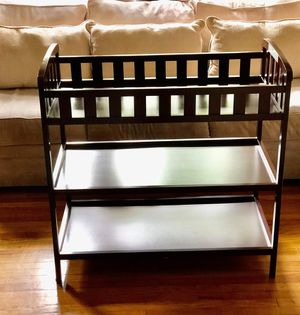 Changing table for babies for Sale in Montebello, CA