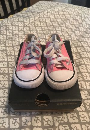 Pink Converse size 4 for Sale in Miami, FL