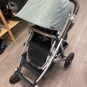 UPPAbaby Vista V2 Double Stroller In Emmett Green for Sale in Scottsdale, AZ