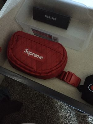 Supreme bag for Sale in Fremont, CA