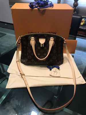 Louis Vuitton Rivoli pm bag for Sale in Palos Heights, IL