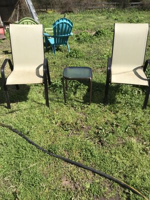 Table and chairs for Sale in Brandon, MS