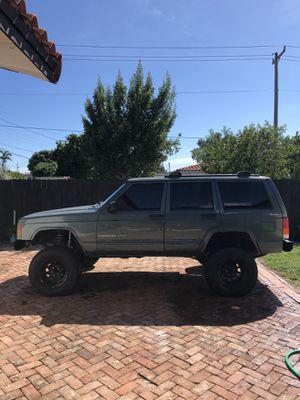 2000 Jeep Cherokee XJ for Sale in Miami, FL