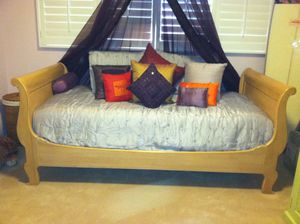Ethan Allen Twin Bed Frame for Sale in Buckley, WA