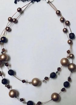 Pearl Double Layer Illusion Necklace - New for Sale in Queens,  NY