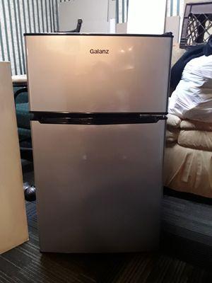 Small refrigerator for Sale in Peabody, MA