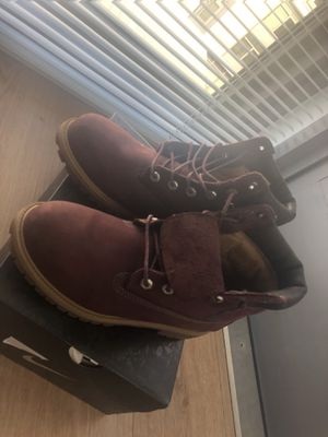 Timberlands maroon for Sale in Mount Rainier, MD