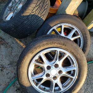 98-02 SET OF 5 CAMARO Z28 SNOWFLAKE WHEELS AND TIRES for Sale in Bartlett, IL