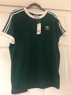 Adidas Originals Womens Tee Green Size Medium for Sale in Las Vegas, NV