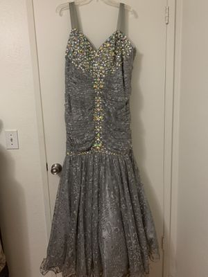 Beautiful Mermaid dress size 16 for Sale in Fresno, CA