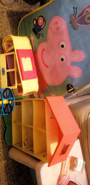 Free peppa pig toys : Anyone doing bad this year kid who loves peppa pig for Sale in Spring, TX