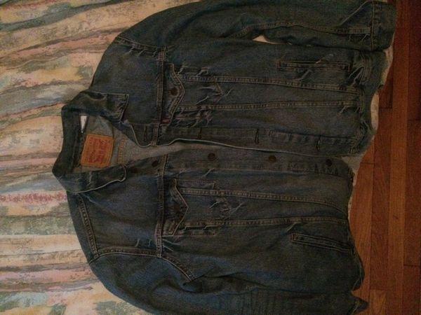 Men's Levi Jacket Size XL