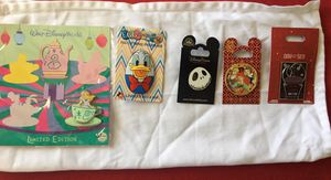 Disney collectible Pin Lot. for Sale in Miami, FL