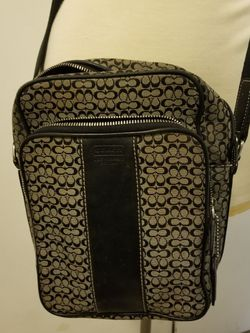 VINTAGE COACH MESSENGER BAG/PURSE for Sale in Chino,  CA