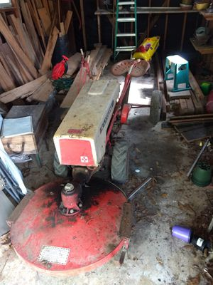 Gravely lawnmower tractor for Sale in Baton Rouge, LA