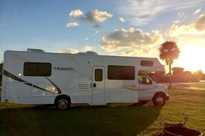 RV Ford Majesty 2011 $29900 - Sale/ lease. for Sale in St. Petersburg, FL