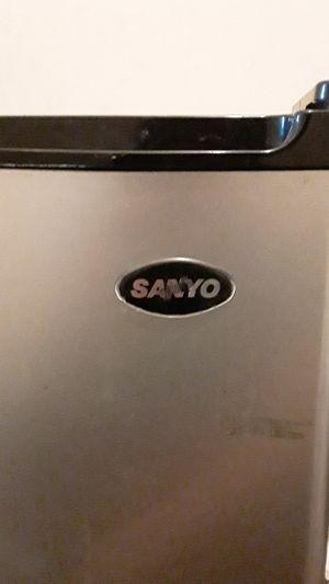 Sanyo mini fridge for Sale in Riverdale, MD