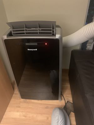 MN12CES 12000 BTU 115V Portable Air Conditioner Dehumidifier and Fan for Sale in Seattle, WA