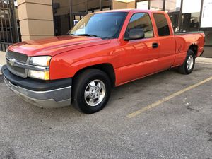 2004 Chevy Silverado 1500 for Sale in Chicago, IL