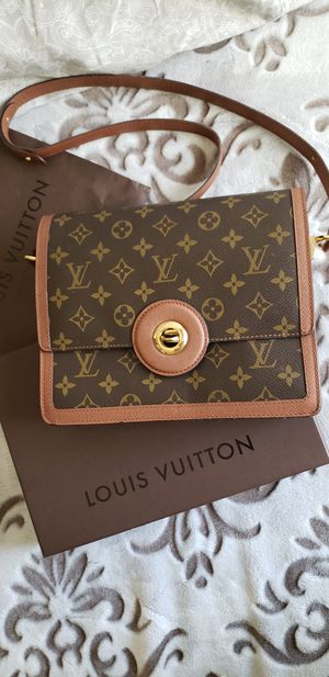 Louis Vuitton Monogram Crossbody Bag for Sale in Glendale, CA