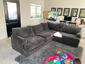 Sectional Couch in Very Good Condition for Sale in Laguna Beach, CA