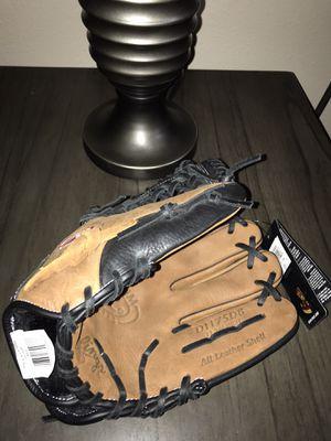 Baseball glove for Sale in Zephyrhills, FL