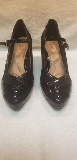 SIZE 11 HEEL. NEVER WORN OUT for Sale in Hyattsville, MD