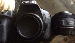 Canon EOS 7D/ Canon 50mm lens for Sale in Miami, FL