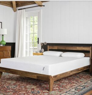 Queen size Tuft & Needle Mattress and Bed Frame for Sale in Laveen Village, AZ