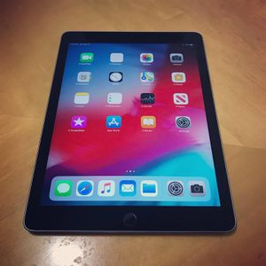Like New Apple iPad Air 2 Gray Retina Display WiFi Only. 64GB Memory for Sale in Warren, MI