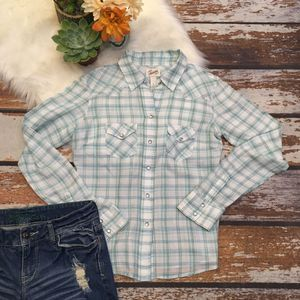 Aeropostale  Plaid Button Up Shirt   long sleeve for Sale in Hemet, CA