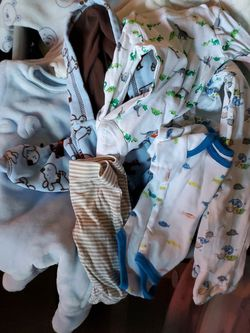 FREE FREE Baby Boy 0 To 3 Month's for Sale in Selma,  CA