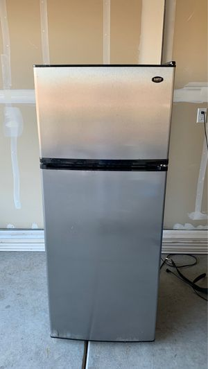 Refrigerator for Sale in West Sacramento, CA