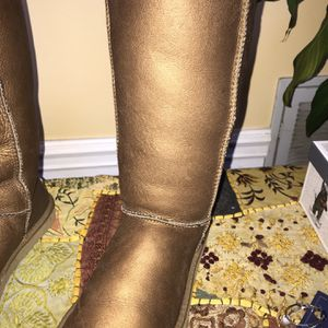 Ugg Boots Size 7 Copper/Brown for Sale in Franklin, TN