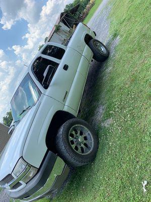 2003 Chevy Silverado 2500 HD for Sale in Baton Rouge, LA
