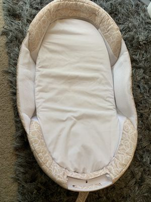 Baby Swing with 8 ways and 2 directions. Baby Delight Infant Sleeper. for Sale in San Mateo, CA