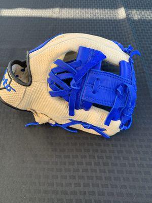 New Soto baseball glove for Sale in Norwalk, CA