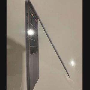 Sealed box Apple MacBook Pro new 512gb 2020 touchbar 13 inch space gray I can come to you today 🚙 for Sale in Hayward, CA