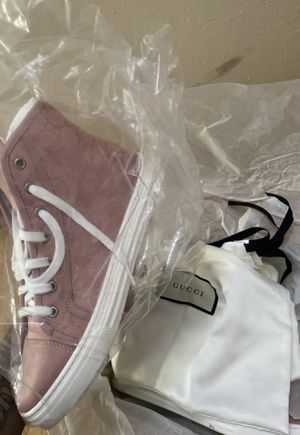 Gucci shoes size 8 in women's for Sale in Chicago, IL