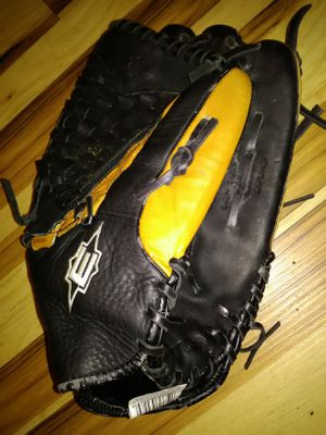Baseball Glove for Sale in Dickinson, TX